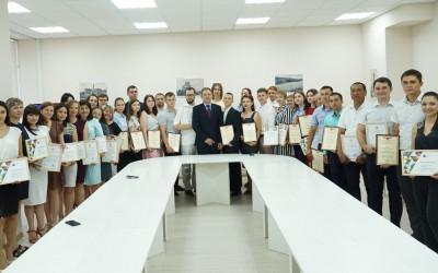 В Волгоградской области наградили самых активных добровольцев