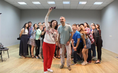 Волгоградские студенты встретились с актерами Волгоградского молодёжного театра