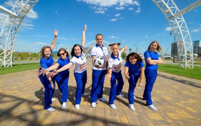 В Волгограде презентовали форму городских волонтеров Чемпионата мира по футболу FIFA 2018 в России™