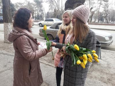 """В Волгограде прошла акция """"Вам, любимые"""""""