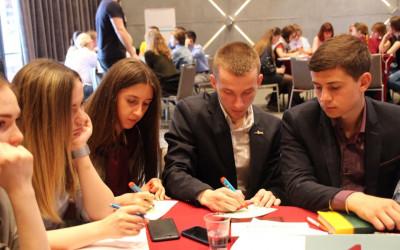 В Волгограде на окружном семинаре-совещании ЮФО прошел масштабный молодежный лидер-тренинг