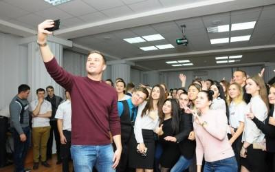 Денис Давыдов: «Используйте максимально возможности студенческой среды, тогда у вас будет много перспектив в будущем»